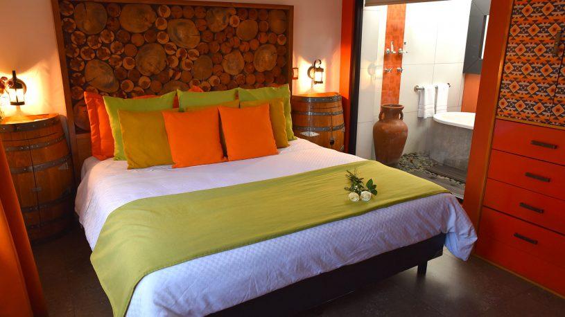 habitacion cama grande hotel hacienda del rio