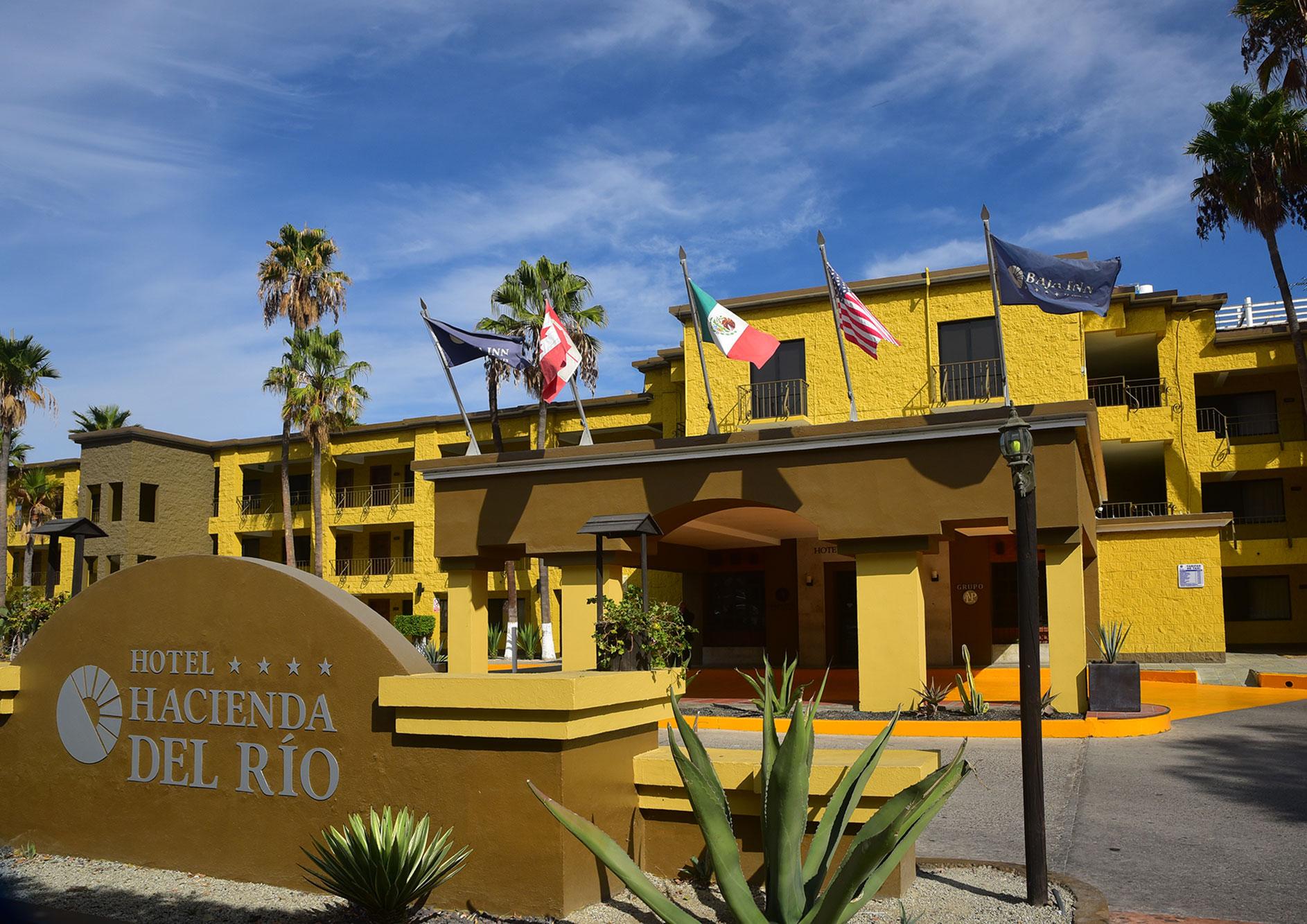 fachada hotel hacienda del rio tijuana